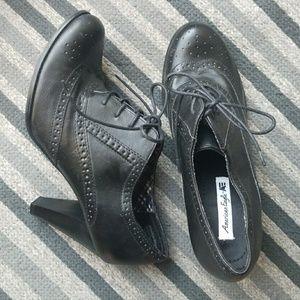 American Eagle Oxford Heels